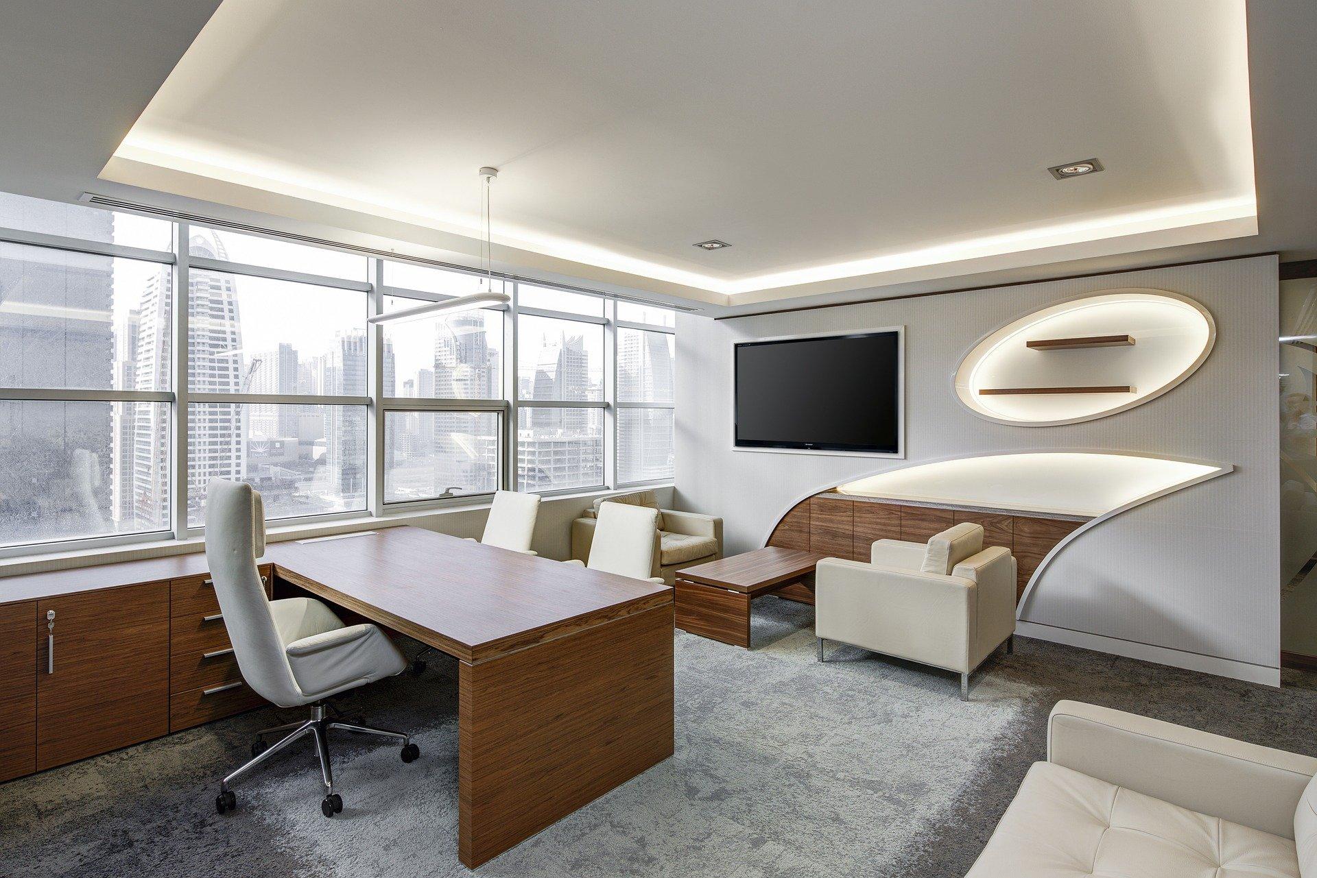 office-730681_1920 Pensar a iluminação